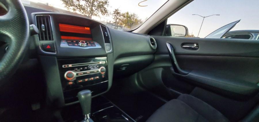 Used Nissan Maxima 4dr Sdn V6 CVT 3.5 SV w/Premium Pkg 2011 | Rubber Bros Auto World. Brooklyn, New York