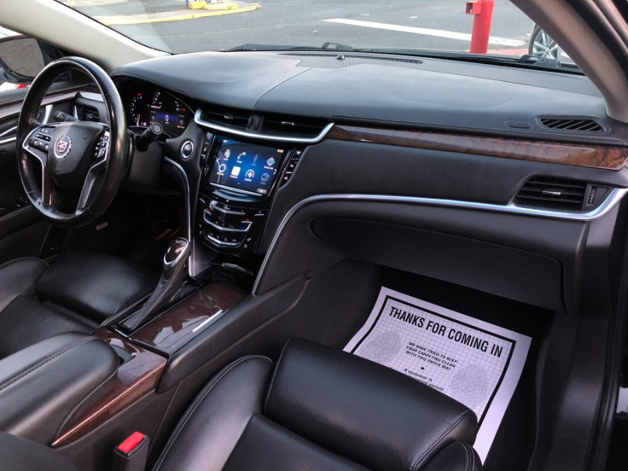 Used Cadillac XTS 4dr Sdn Luxury FWD 2014 | Champion Auto Hillside. Hillside, New Jersey