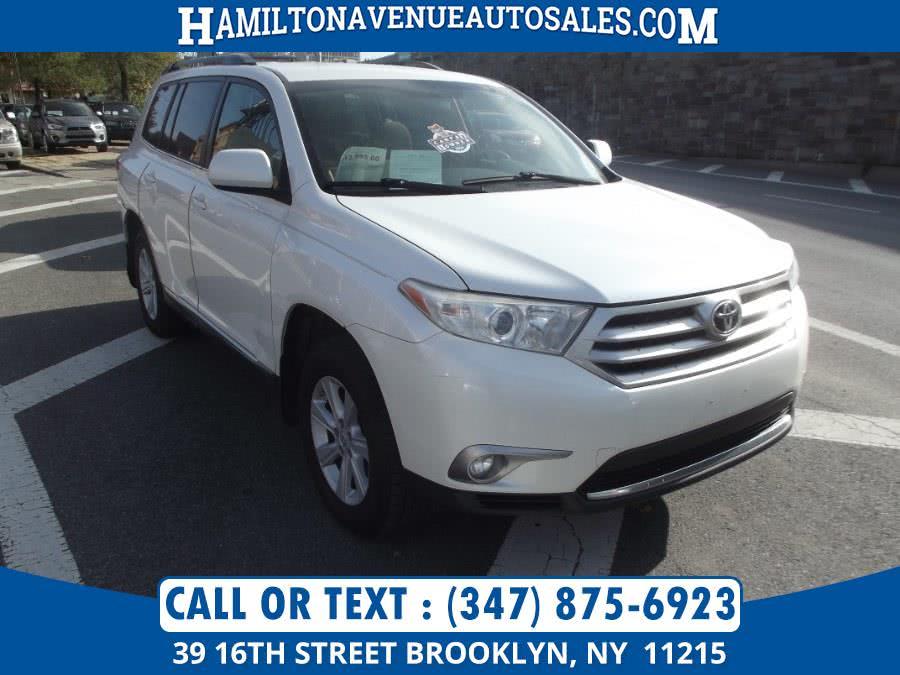 Used Toyota Highlander 6V 2013 | Hamilton Avenue Auto Sales DBA Nyautoauction.com. Brooklyn, New York