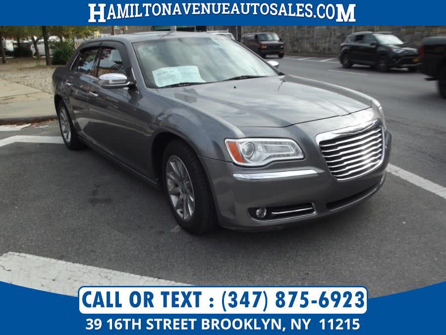 Used Chrysler 300 4dr Sdn V6 Limited RWD 2012 | Hamilton Avenue Auto Sales DBA Nyautoauction.com. Brooklyn, New York