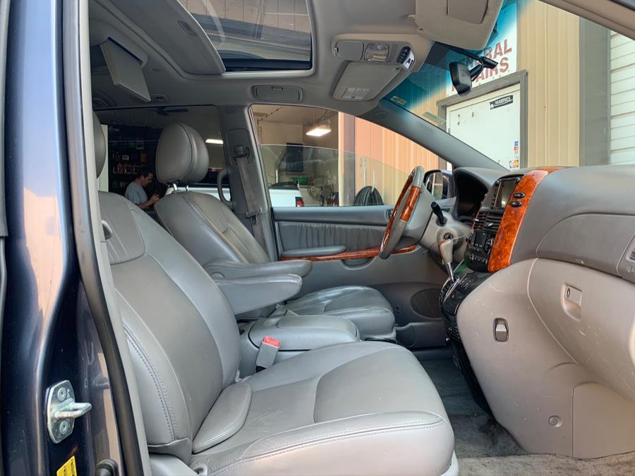 Used Toyota Sienna 5dr 7-Pass Van XLE Ltd FWD (SE) 2009   Danny's Auto Sales. Methuen, Massachusetts