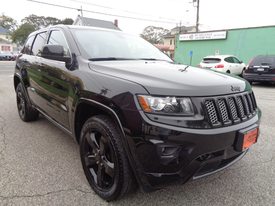 Used Jeep Grand Cherokee 4WD 4dr Laredo Altitude 2015 | NY Auto Traders. Valley Stream, New York