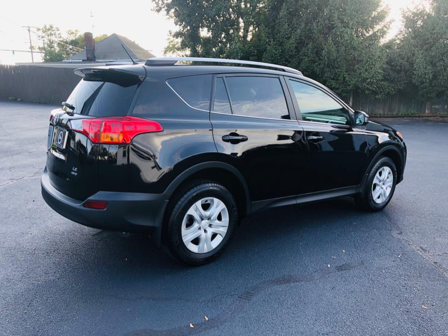 Used Toyota RAV4 AWD 4dr LE (Natl) 2015 | Chip's Auto Sales Inc. Milford, Connecticut