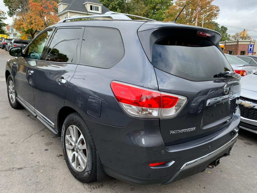 Used Nissan Pathfinder 4WD 4dr SV 2013 | Central Auto Sales & Service. New Britain, Connecticut