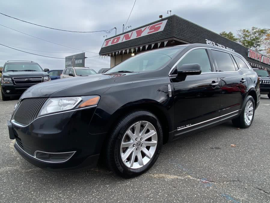2016 Lincoln MKT 4dr Wgn 3.7L AWD w/Livery Pkg, available for sale in Waterbury, CT