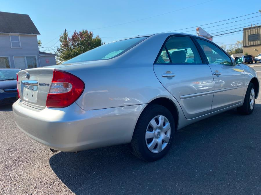 Used Toyota Camry 4dr Sdn LE Auto (Natl) 2004 | Auto Store. West Hartford, Connecticut