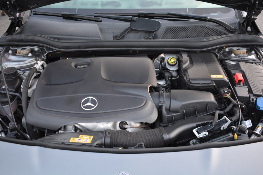 Used Mercedes-Benz CLA 4dr Sdn CLA 250 4MATIC 2016 | Longmeadow Motor Cars. ENFIELD, Connecticut