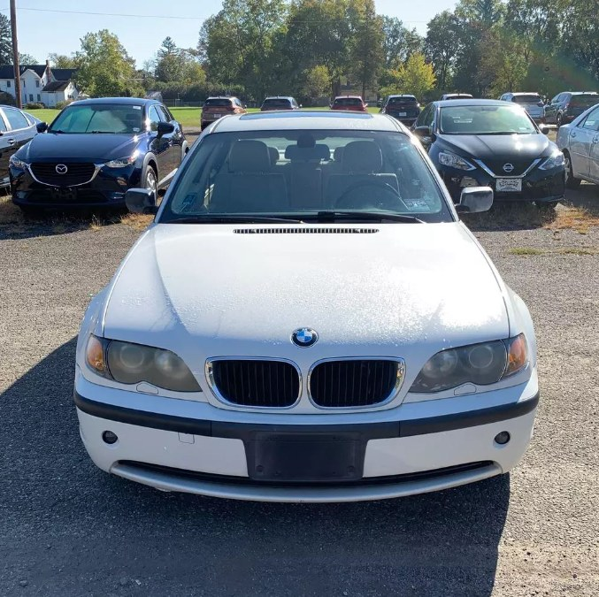 Used BMW 3 Series 325i 4dr Sdn RWD 2004   Payless Auto Sale. South Hadley, Massachusetts