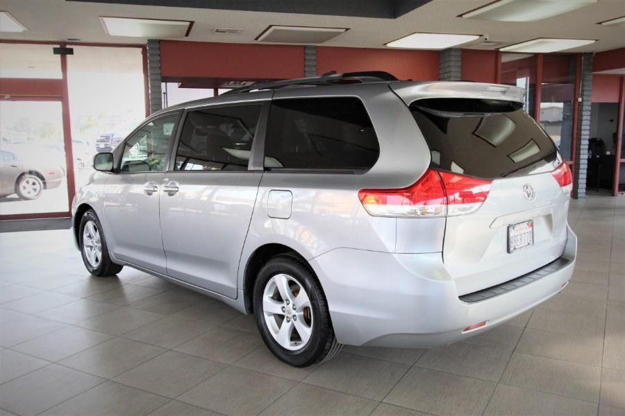 Used Toyota Sienna 5dr 8-Pass Van V6 LE FWD 2011 | 1 Stop Auto Mart Inc.. Garden Grove, California