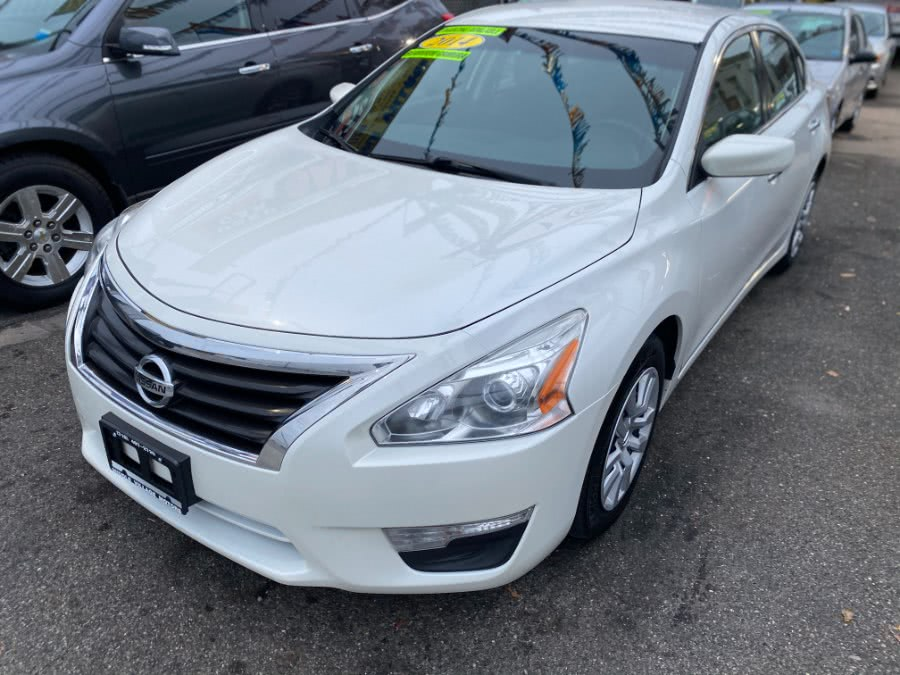 Used 2014 Nissan Altima in Middle Village, New York | Middle Village Motors . Middle Village, New York