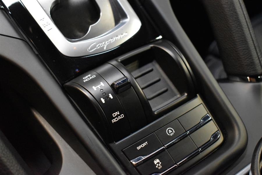 Used Porsche Cayenne PLATINUM 2017 | Select Motor Cars. Deer Park, New York