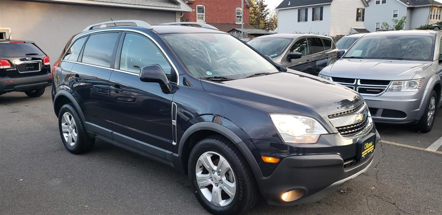 Used Chevrolet Captiva Sport Fleet FWD 4dr LS w/2LS 2014 | Victoria Preowned Autos Inc. Little Ferry, New Jersey