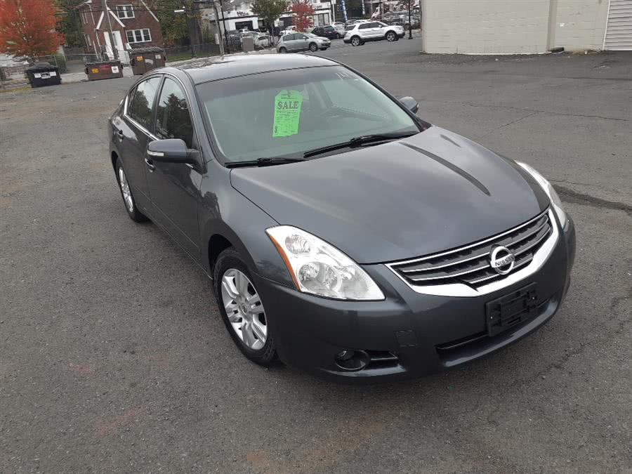Used Nissan Altima 4dr Sdn I4 CVT 2.5 SL 2010 | Auto Drive Sales And Service. Berlin, Connecticut