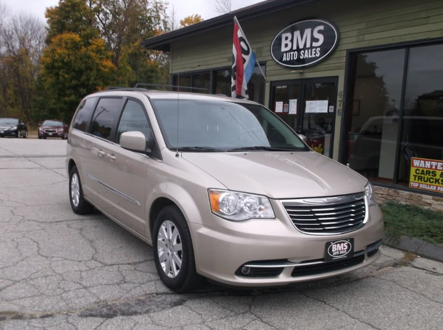 Used Chrysler Town & Country 4dr Wgn Touring 2016 | Brooklyn Motor Sports Inc. Brooklyn, Connecticut