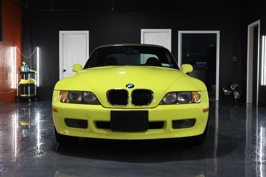 Used 1997 BMW 3 Series in Danbury, Connecticut | Performance Imports. Danbury, Connecticut