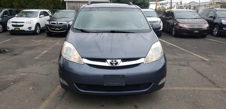 Used 2009 Toyota Sienna in Little Ferry, New Jersey | Victoria Preowned Autos Inc. Little Ferry, New Jersey