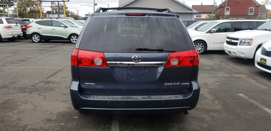 Used Toyota Sienna 5dr 7-Pass Van XLE FWD (Natl) 2009 | Victoria Preowned Autos Inc. Little Ferry, New Jersey