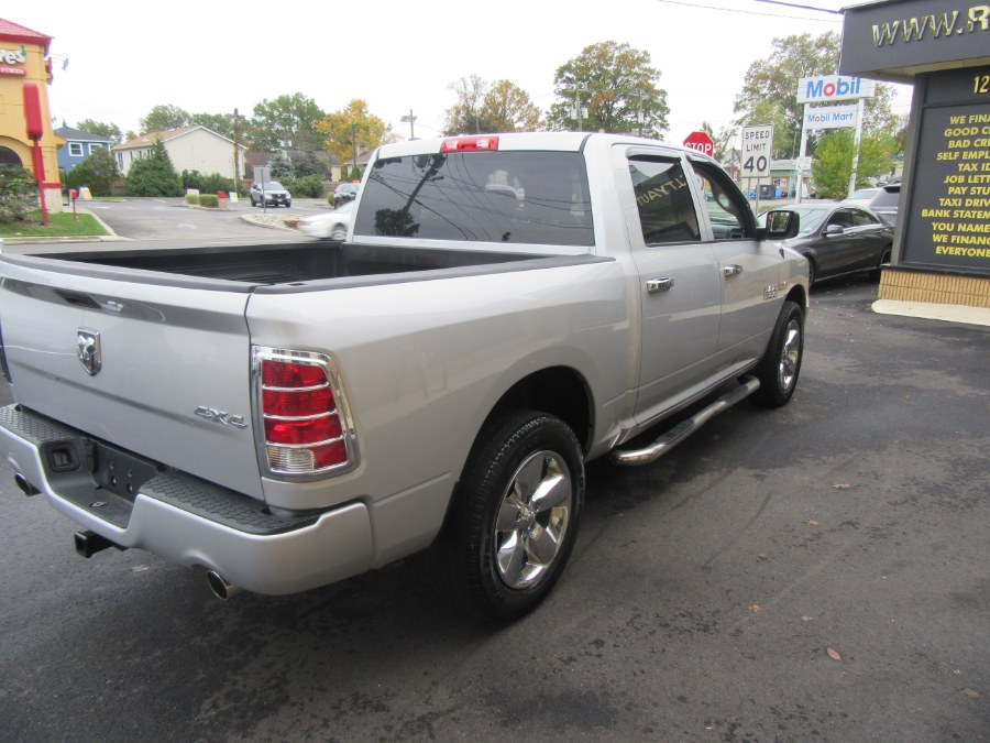 """Used Ram 1500 4WD Crew Cab 140.5"""" Express 2014 