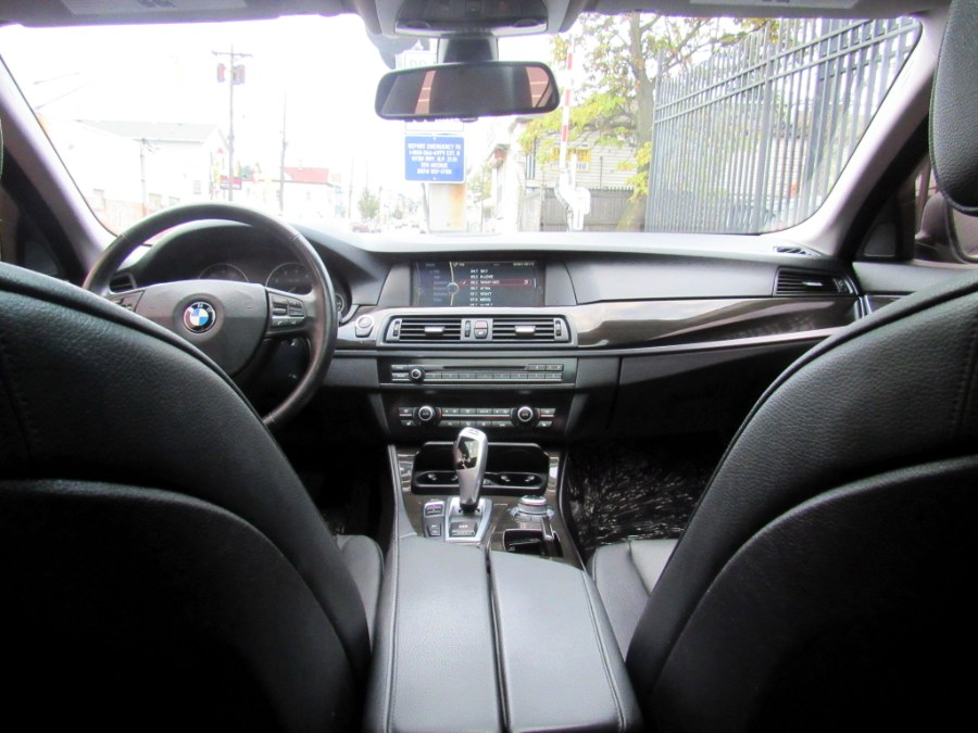 Used BMW 5 Series 4dr Sdn 528i xDrive AWD 2012   MFG Prestige Auto Group. Paterson, New Jersey