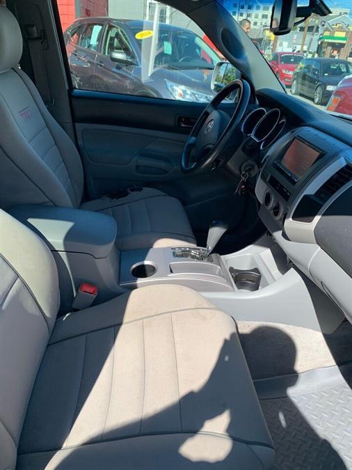 Used Toyota Tacoma V6 4x4 4dr Access Cab 6.1 ft. SB 5A 2009 | Mass Auto Exchange. Framingham, Massachusetts