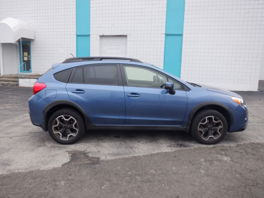 Used Subaru XV Crosstrek 5dr CVT 2.0i Limited 2015 | Dealertown Auto Wholesalers. Milford, Connecticut