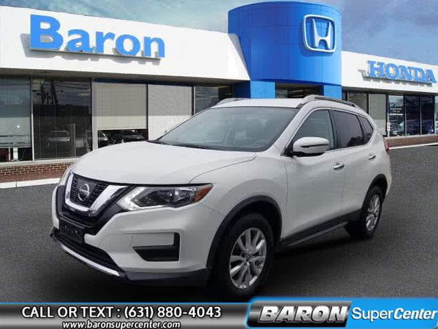 2017 Nissan Rogue SV photo