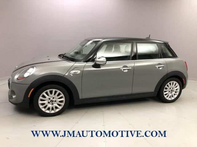 Used 2016 Mini Cooper Hardtop 4 Door in Naugatuck, Connecticut | J&M Automotive Sls&Svc LLC. Naugatuck, Connecticut