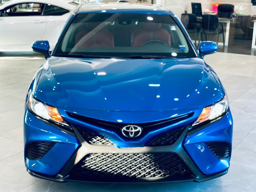 Used Toyota Camry SE Auto (Natl) 2018   Luxury Motor Club. Franklin Square, New York