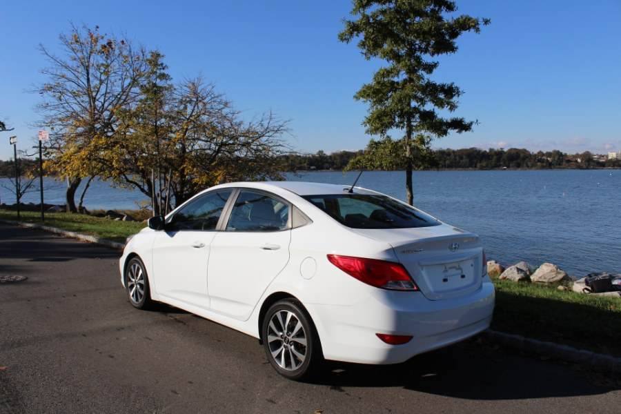 2017 Hyundai Accent SE Sedan Auto, available for sale in Great Neck, NY