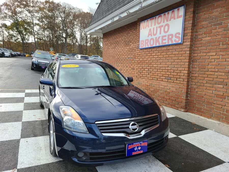 Used 2009 Nissan Altima in Waterbury, Connecticut | National Auto Brokers, Inc.. Waterbury, Connecticut
