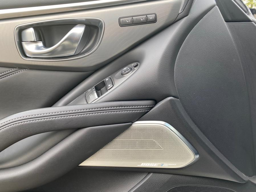 Used INFINITI Q60 2.0t Premium AWD 2017 | Peak Automotive Inc.. Bayshore, New York