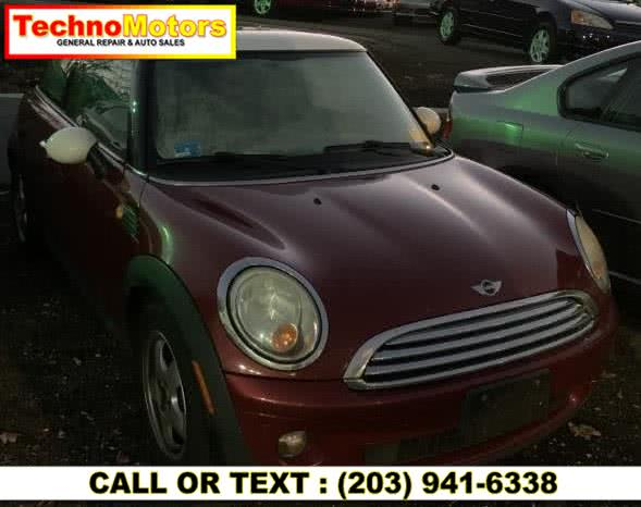 Used 2007 MINI Cooper Hardtop in Danbury , Connecticut | Techno Motors . Danbury , Connecticut