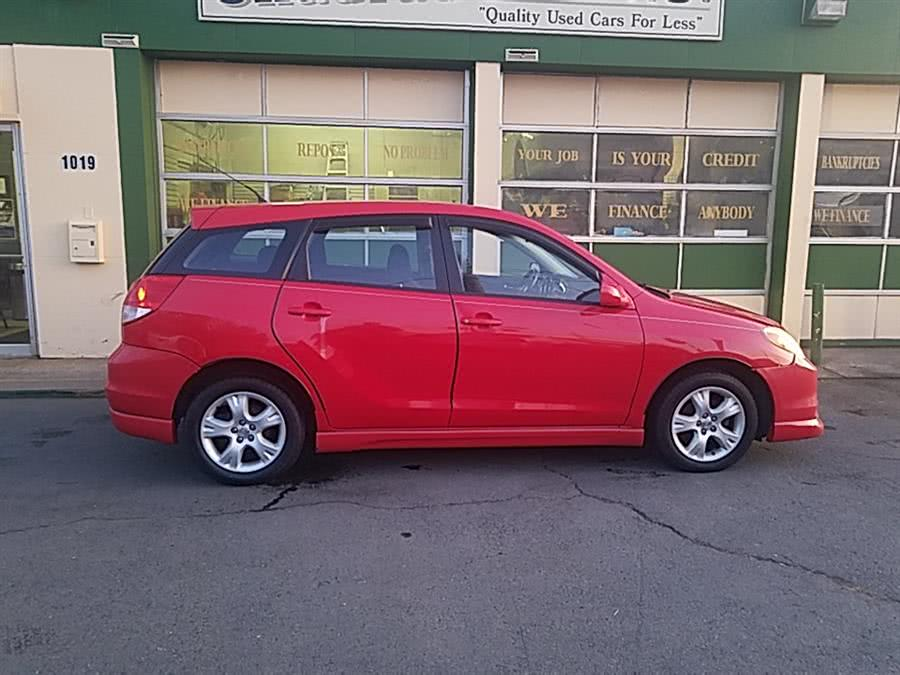 Used 2004 Toyota Matrix in West Hartford, Connecticut | Chadrad Motors llc. West Hartford, Connecticut