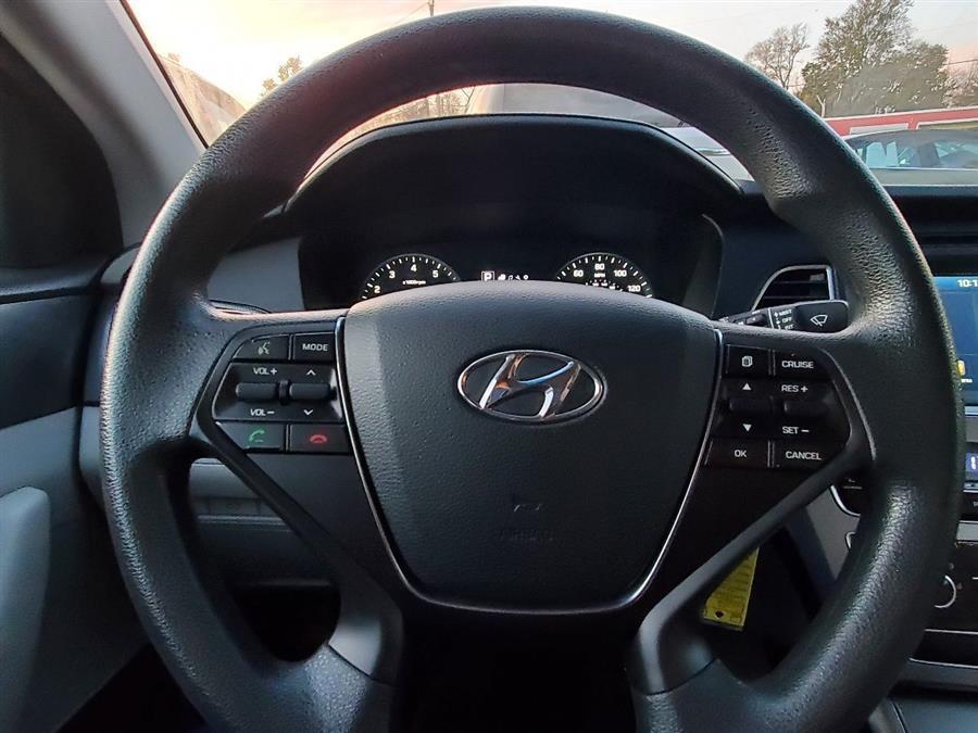 Used Hyundai Sonata Sport 4dr Sedan 2017 | Mass Auto Exchange. Framingham, Massachusetts