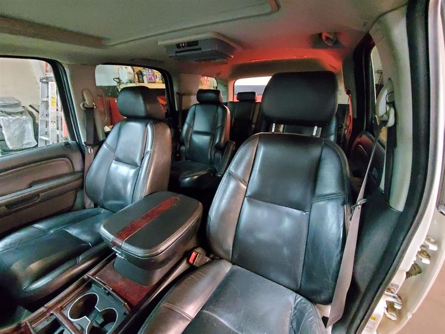 Used Cadillac Escalade Base AWD 4dr SUV 2008 | Mass Auto Exchange. Framingham, Massachusetts
