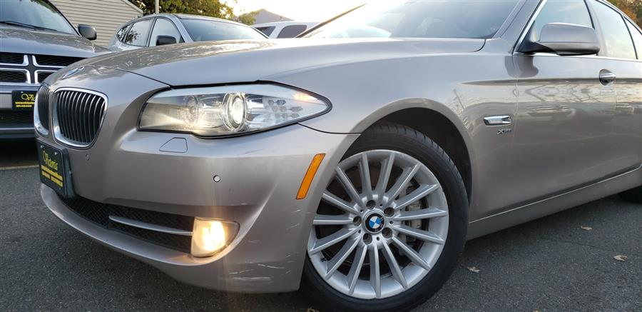 Used BMW 5 Series 4dr Sdn 535i xDrive AWD 2012 | Victoria Preowned Autos Inc. Little Ferry, New Jersey