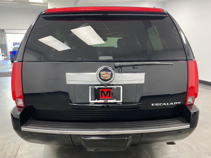 Used Cadillac Escalade ESV AWD 4dr Luxury 2013 | M Auto Group. Elizabeth, New Jersey