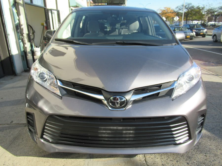 Used 2020 Toyota Sienna in Woodside, New York | Pepmore Auto Sales Inc.. Woodside, New York