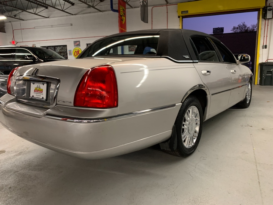 Used Lincoln Town Car 4dr Sdn Signature Limited 2008 | MP Motors Inc. West Babylon , New York