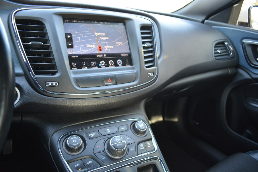 Used Chrysler 200 4dr Sdn S AWD 2015   Longmeadow Motor Cars. ENFIELD, Connecticut