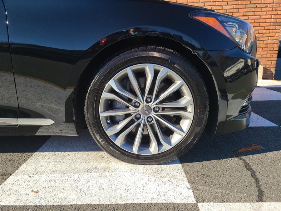 Used Hyundai Genesis 4dr Sdn V6 3.8L AWD 2015 | National Auto Brokers, Inc.. Waterbury, Connecticut