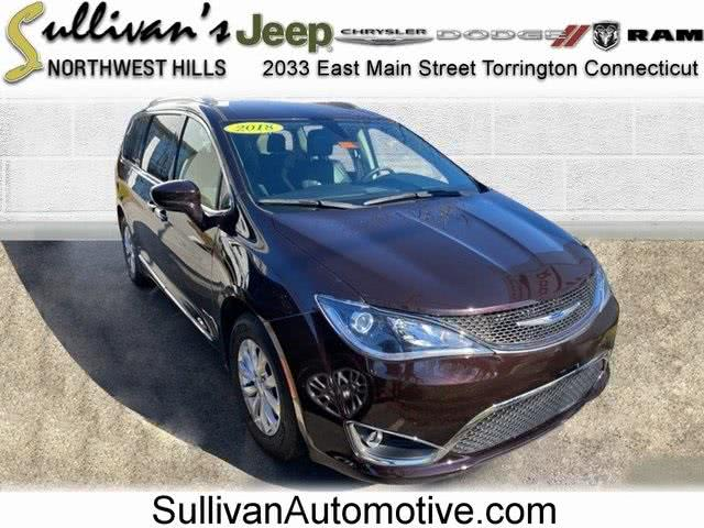 Used 2018 Chrysler Pacifica in Avon, Connecticut | Sullivan Automotive Group. Avon, Connecticut