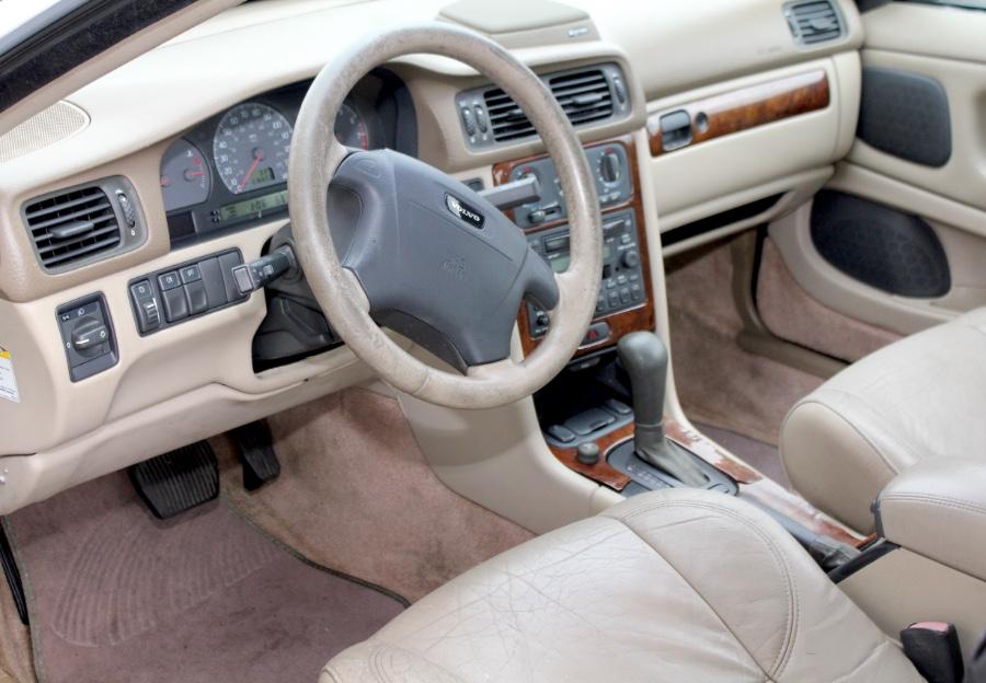 Used Volvo C70 LT A SR 2dr Cpe Auto 2000   Boss Auto Sales. West Babylon, New York