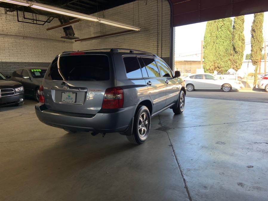 Used Toyota Highlander 4dr V6 w/3rd Row 2005 | U Save Auto Auction. Garden Grove, California
