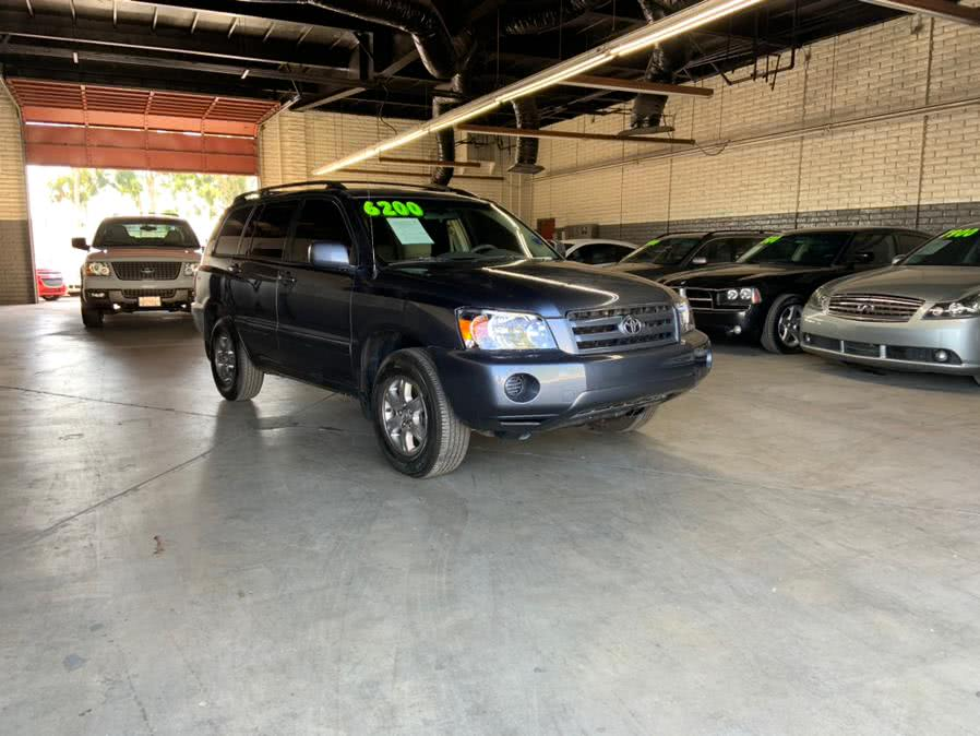 Used 2005 Toyota Highlander in Garden Grove, California | U Save Auto Auction. Garden Grove, California