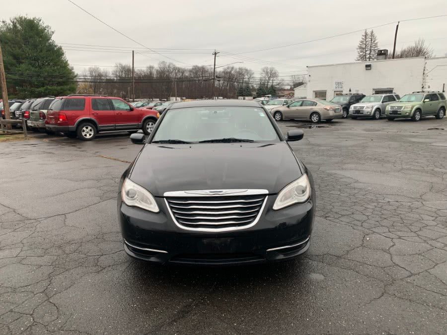 Used 2011 Chrysler 200 in East Windsor, Connecticut | CT Car Co LLC. East Windsor, Connecticut