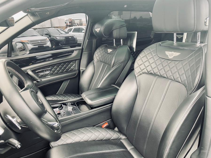 Used Bentley Bentayga W12 AWD 2017 | Peak Automotive Inc.. Bayshore, New York