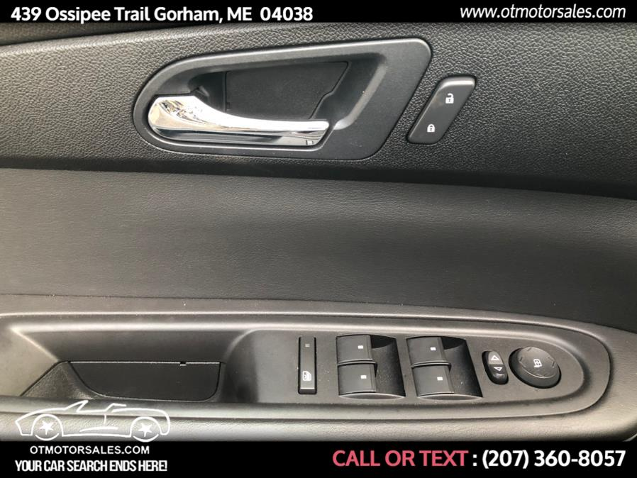 Used GMC Acadia AWD 4dr SLE 2011 | Ossipee Trail Motor Sales. Gorham, Maine