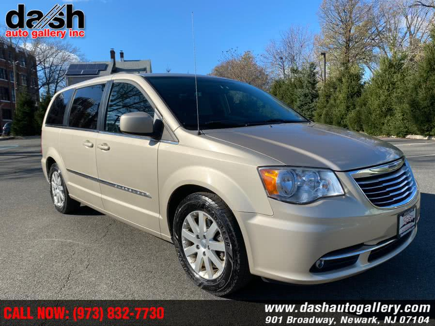 Used Chrysler Town & Country 4dr Wgn Touring 2014 | Dash Auto Gallery Inc.. Newark, New Jersey