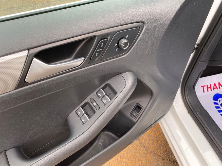 Used Volkswagen Jetta Sedan 4dr Auto 1.4T SE 2016 | Harbor View Auto Sales LLC. Stamford, Connecticut